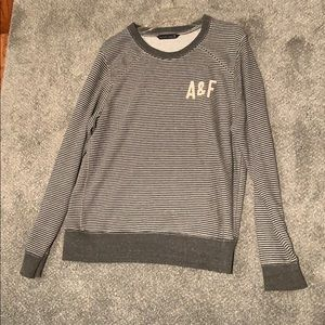 Grey & White Abercrombie and Fitch sweatshirt